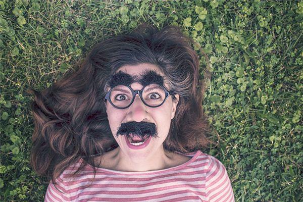 梦见眉毛变粗是什么意思