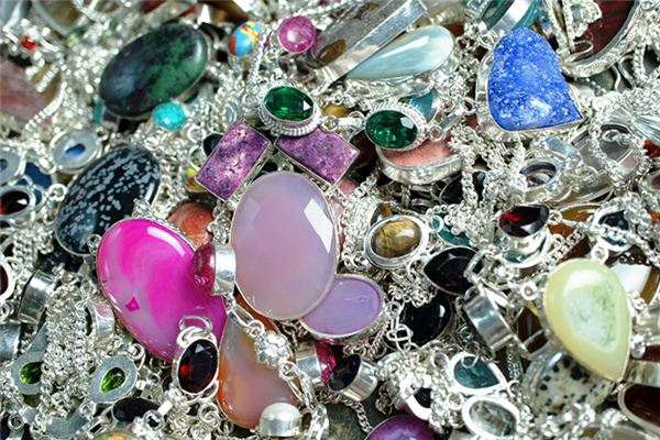 梦见金银财宝是什么意思