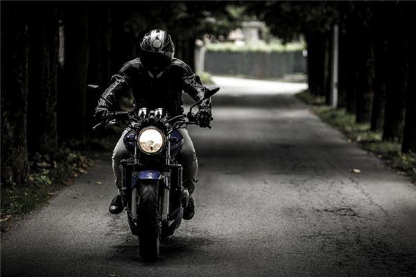 梦见偷摩托车是什么意思
