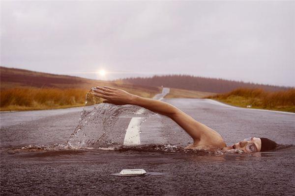 梦见逆流游泳是什么意思