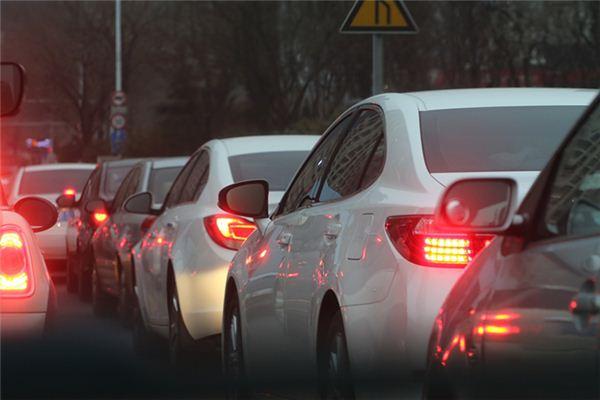 梦见交通堵塞是什么意思