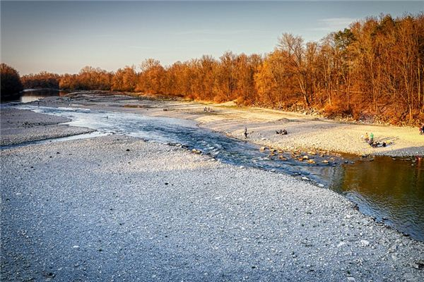 梦见河水沙石是什么意思