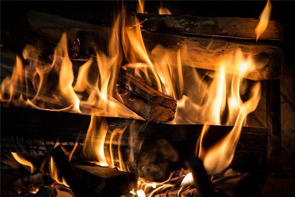 梦见木材燃烧是什么意思