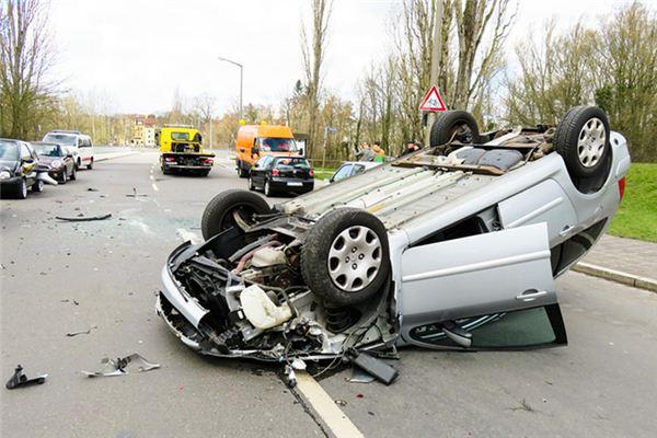 梦见开车撞人是什么预兆