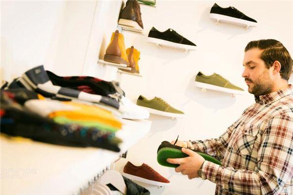 梦见男友买鞋是什么意思