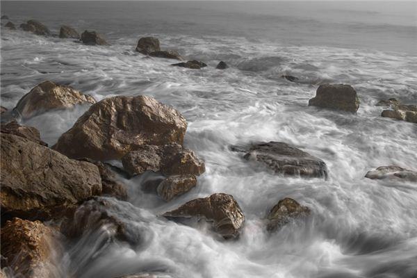 梦见大海涨潮是什么预兆