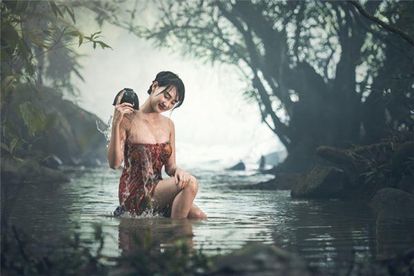 梦见进洗澡堂是什么意思