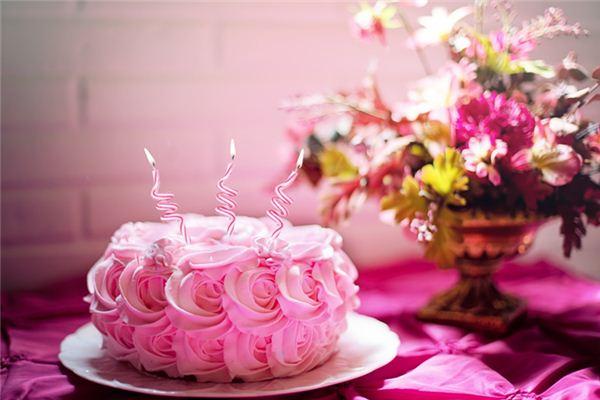 梦到蛋糕周公解梦
