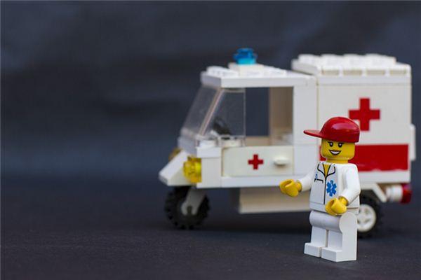 梦见救护车