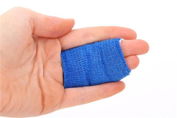 梦见手指被割破