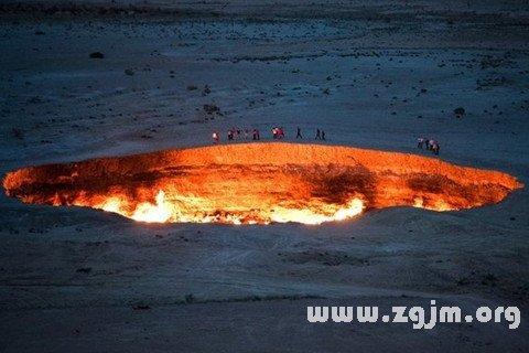 梦见火坑 火箱