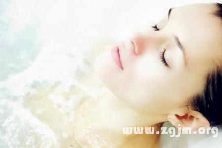 梦见大海洗澡