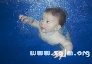 梦见女儿溺水