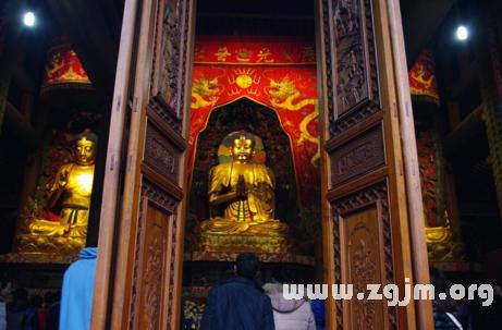 梦见寺庙佛像