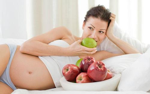 孕妇梦见自己吃苹果